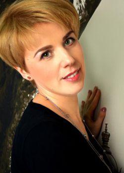 Rencontre-femmes-ukrainiennes-russes-agence-matrimoniale-UkraineMariage-Miroslava-42ans-ID1312
