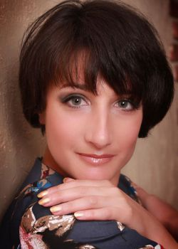 Rencontre-femmes-ukrainiennes-russes-agence-matrimoniale-UkraineMariage-Anzhela-32ans-ID1381