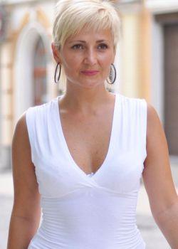 Rencontre-femmes-ukrainiennes-russes-agence-matrimoniale-UkraineMariage-Irina-50ans-ID1393