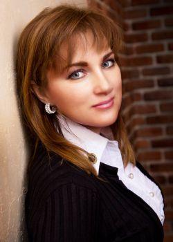 Rencontre-femmes-ukrainiennes-russes-agence-matrimoniale-UkraineMariage-Viktoria-46ans-ID1575