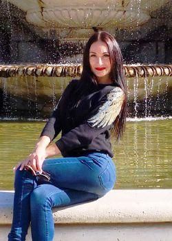 Rencontre-femmes-ukrainiennes-russes-agence-matrimoniale-UkraineMariage-Anna-35ans-ID1652