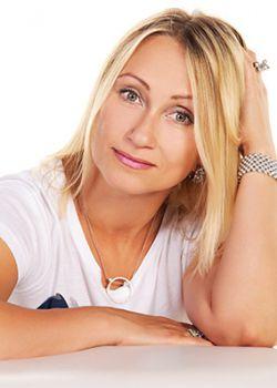 Rencontre-femmes-ukrainiennes-russes-agence-matrimoniale-UkraineMariage-Elena-55ans-ID1687