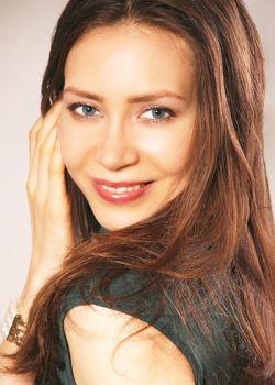 Rencontre-femmes-ukrainiennes-russes-agence-matrimoniale-UkraineMariage-Irina-38ans-ID1692