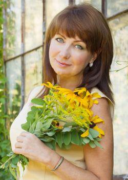 Rencontre-femmes-ukrainiennes-russes-agence-matrimoniale-UkraineMariage-Svetlana-61ans-ID1711