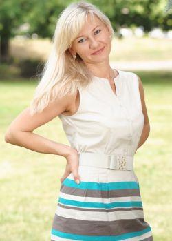 Rencontre-femmes-ukrainiennes-russes-agence-matrimoniale-UkraineMariage-Irina-49ans-ID1732