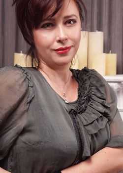 Rencontre-femmes-ukrainiennes-russes-agence-matrimoniale-UkraineMariage-Tamara-49ans-ID1851