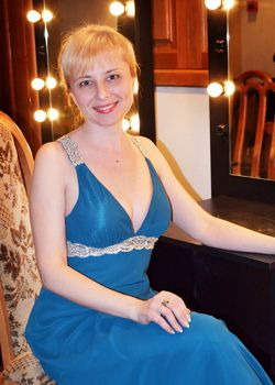 Rencontre-femmes-ukrainiennes-russes-agence-matrimoniale-UkraineMariage-Svetlana-50ans-ID1856