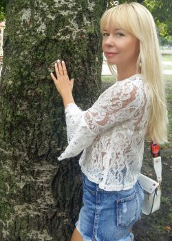 Rencontre-femmes-ukrainiennes-russes-agence-matrimoniale-UkraineMariage-Viktoria-47ans-ID1887