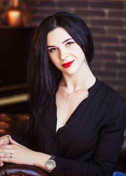 Rencontre-femmes-ukrainiennes-russes-agence-matrimoniale-UkraineMariage-Karina-26ans-ID2039