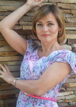 Rencontre-femmes-ukrainiennes-russes-agence-matrimoniale-UkraineMariage-Elena-47ans-ID2052