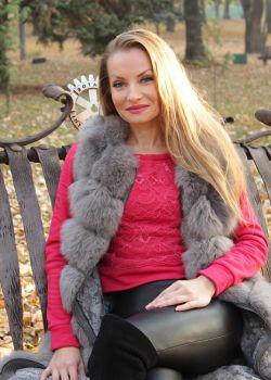 Rencontre-femmes-ukrainiennes-russes-agence-matrimoniale-UkraineMariage-Viktoria-42ans-ID2096