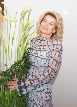 Rencontre-femmes-ukrainiennes-russes-agence-matrimoniale-UkraineMariage-Svetlana-54ans-ID2100