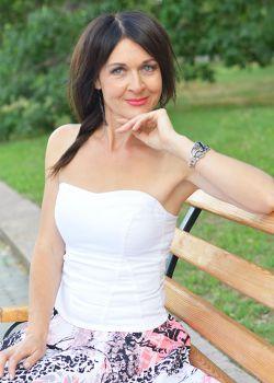 Rencontre-femmes-ukrainiennes-russes-agence-matrimoniale-UkraineMariage-Elena-50ans-ID2134