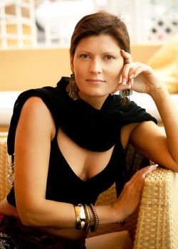 Rencontre-femmes-ukrainiennes-russes-agence-matrimoniale-UkraineMariage-Antonina-52ans-ID2140