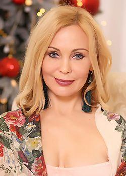 Rencontre-femmes-ukrainiennes-russes-agence-matrimoniale-UkraineMariage-Anna-43ans-ID2216