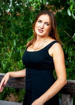 Rencontre-femmes-ukrainiennes-russes-agence-matrimoniale-UkraineMariage-Oksana-30ans-ID2226