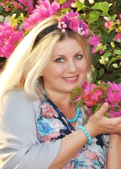 Rencontre-femmes-ukrainiennes-russes-agence-matrimoniale-UkraineMariage-Margarita-52ans-ID2228
