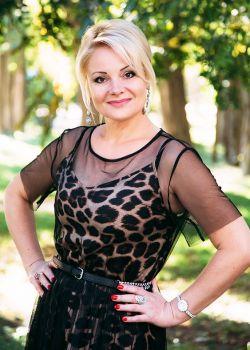 Rencontre-femmes-ukrainiennes-russes-agence-matrimoniale-UkraineMariage-Natalia-48ans-ID2240