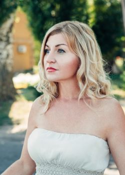 Rencontre-femmes-ukrainiennes-russes-agence-matrimoniale-UkraineMariage-Liudmila-46ans-ID2248
