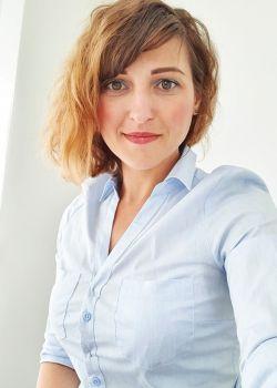 Rencontre-femmes-ukrainiennes-russes-agence-matrimoniale-UkraineMariage-Julia-42ans-ID2263
