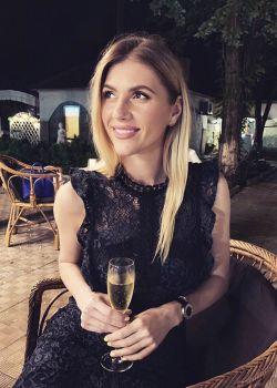 Rencontre-femmes-ukrainiennes-russes-agence-matrimoniale-UkraineMariage-Kristina-31ans-ID2276