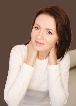 Rencontre-femmes-ukrainiennes-russes-agence-matrimoniale-UkraineMariage-Julia-38ans-ID2299