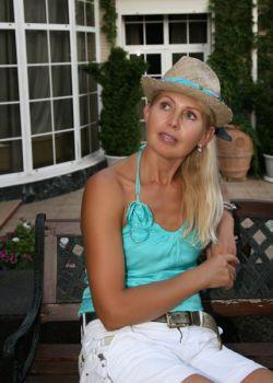 Rencontre-femmes-ukrainiennes-russes-agence-matrimoniale-UkraineMariage-Larisa-59ans-ID972