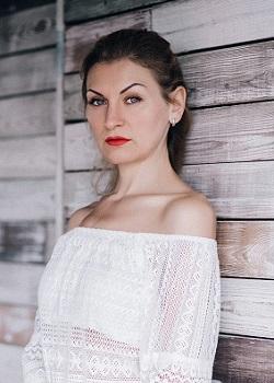 Rencontre-femmes-ukrainiennes-russes-agence-matrimoniale-UkraineMariage-Oksana-37ans-ID2159