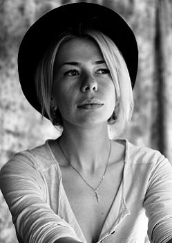 Rencontre-femmes-ukrainiennes-russes-agence-matrimoniale-UkraineMariage-Elena-35ans-ID2057